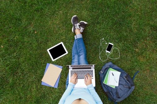 ביטוח נסיעות לחול באינטרנט