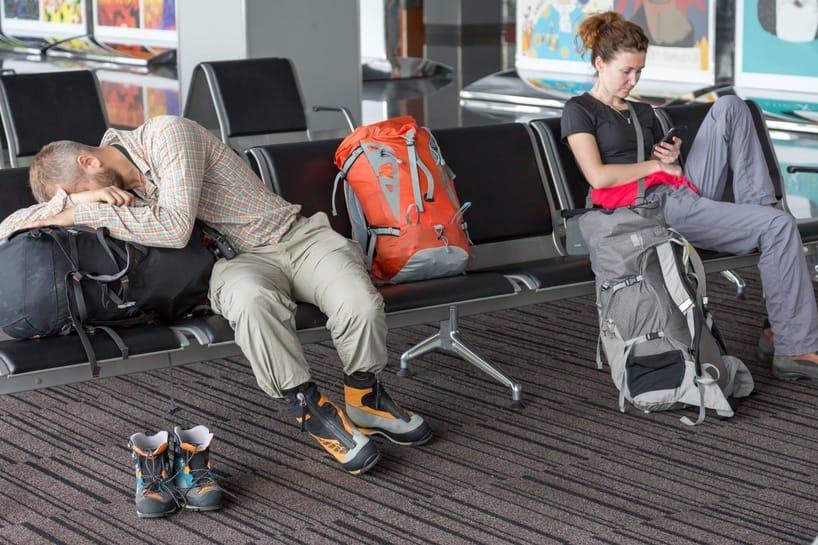 ישנים בשדה התעופה